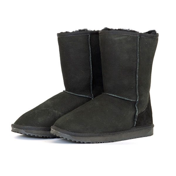 Classic-Short-UGG-Boot-Blac